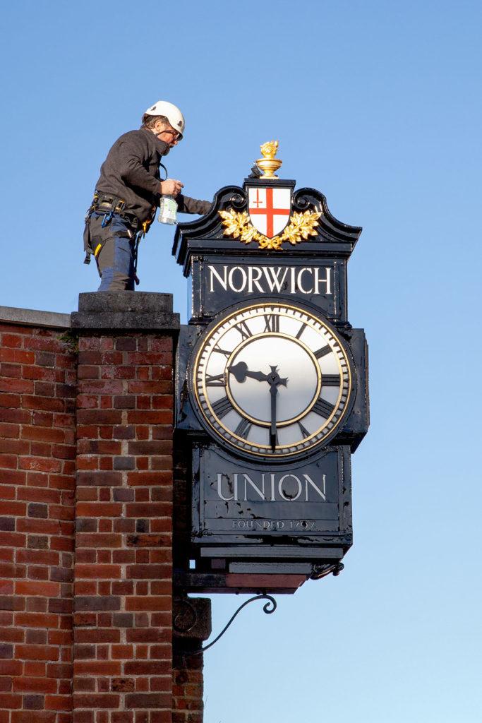 expert clock refurbishment